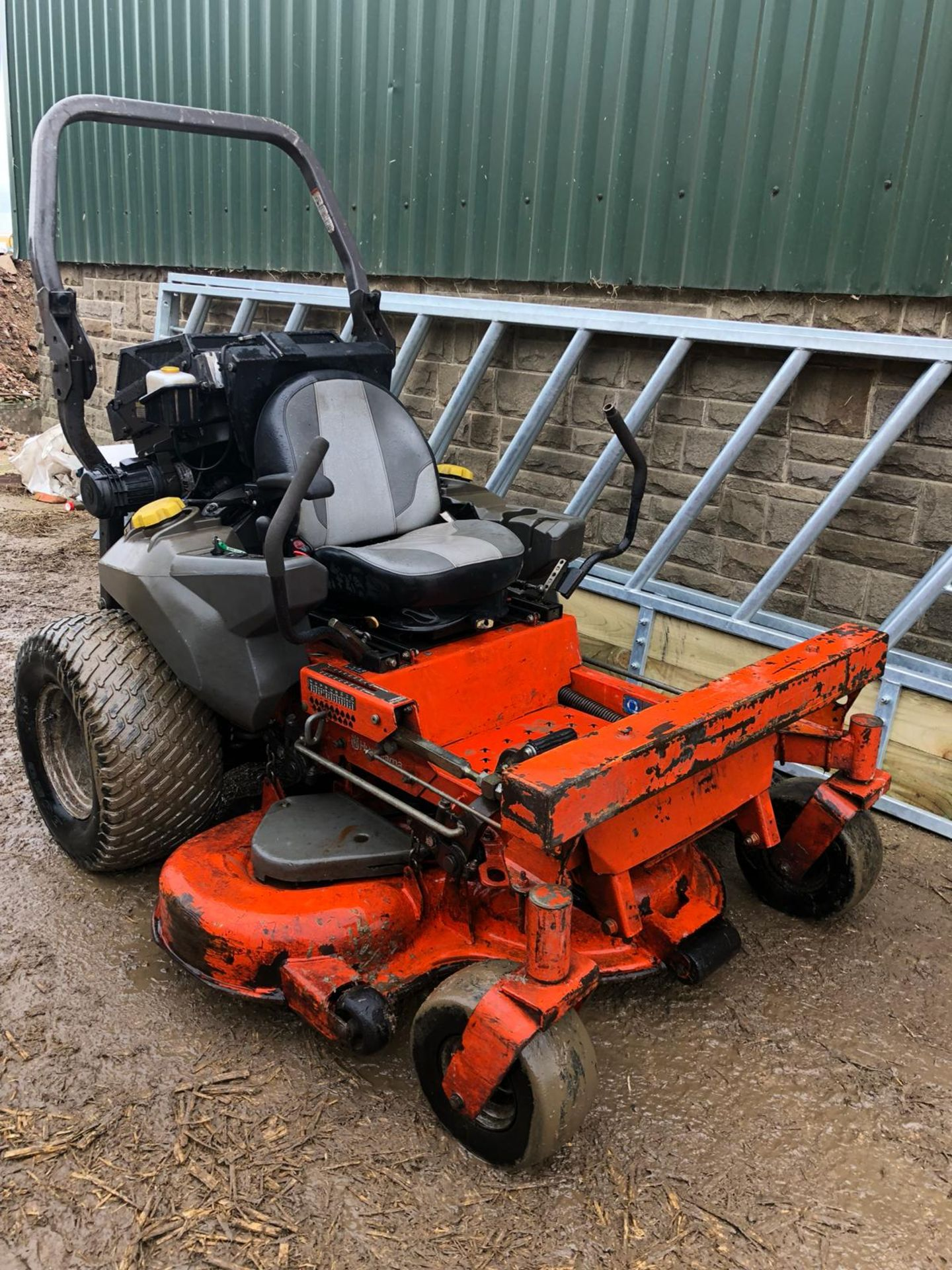 Lot 214 - 2012 HUSQVARNA PZ 29D ZERO TURN RIDE ON DIESEL LAWN MOWER *PLUS VAT*