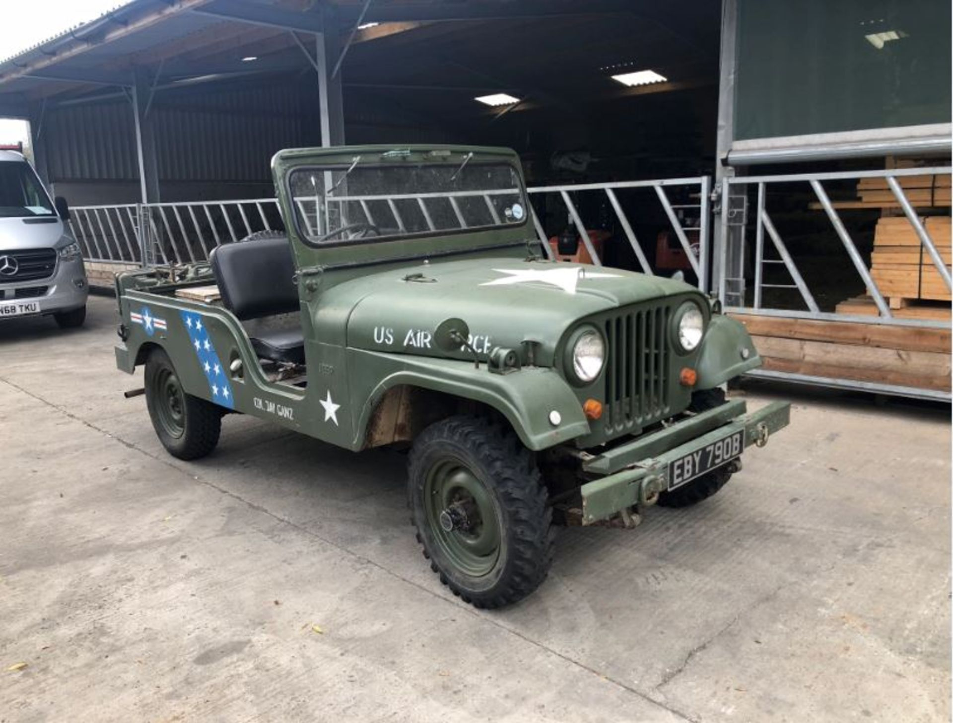 Lotto 406 - WILLYS JEEP CJ6 YEAR 1964, RIGHT HAND DRIVE, ONLY 26751 MILES *PLUS VAT*