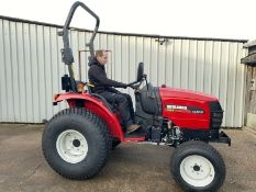 COMPACT TRACTOR SHIBAURA ST333, 33HP, 4 WHEEL DRIVE, YEAR 2012, ONLY 685 HOURS GENUINE FROM NEW