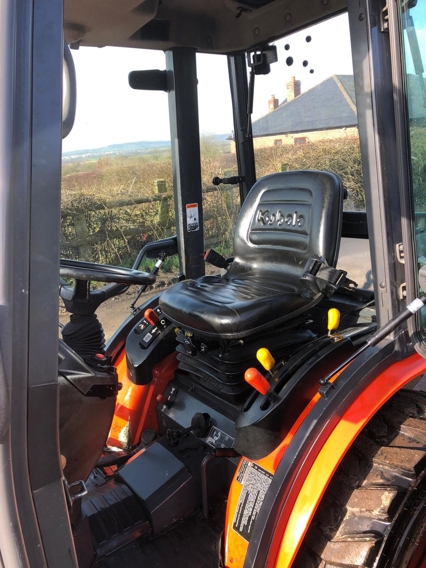 Lot 47 - KUBOTA B2230 COMPACT TRACTOR, MODEL B2230, FULL GLASS CAB, 3 POINT LINKAGE, REAR PTO, 4 WHEEL DRIVE
