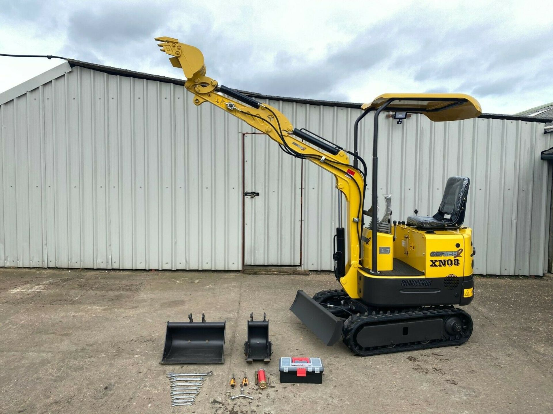 Lot 168 - MINI EXCAVATOR RHINOCEROS XN08 BRAND NEW, YEAR 2020, LATEST MODEL SERIES 2, 3 BUCKETS, CE MARKED