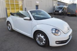 2015/15 REG VOLKSWAGEN BEETLE DESIGN TDI BLUEMOTION 2.0 DIESEL WHITE CONVERTIBLE *NO VAT*