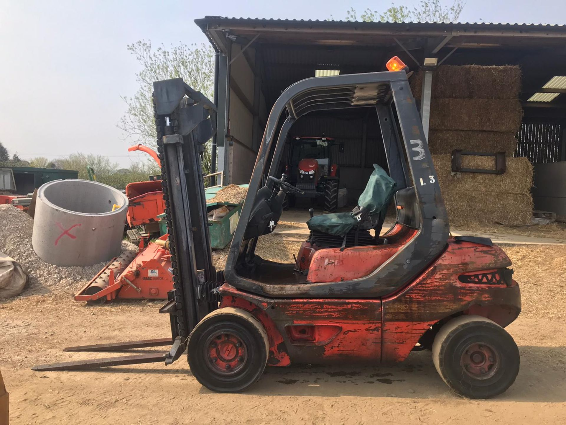 Lot 152 - 1994 LINDE LANSING FORKLIFT, RUNS, DRIVES AND LIFTS, 360 HOURS *PLUS VAT*