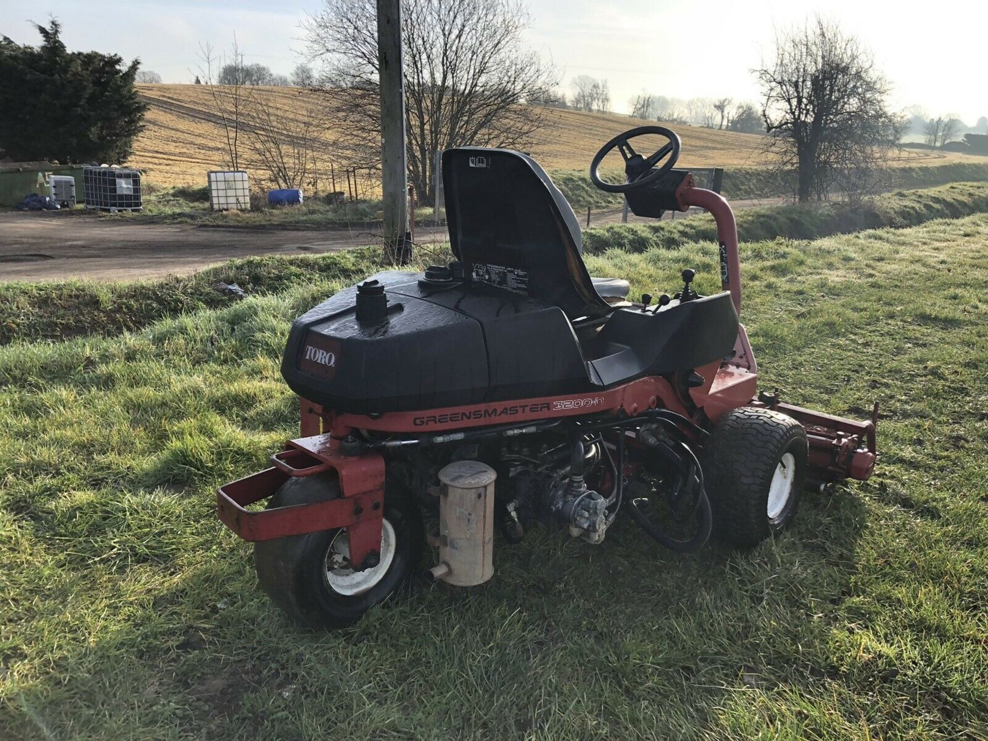 Lot 190 - TORO 3200 DIESEL RIDE ON LAWN MOWER, HYDROSTATIC DRIVE, VERY SHARP TURNING CIRCLE, COLLECTION BOXES