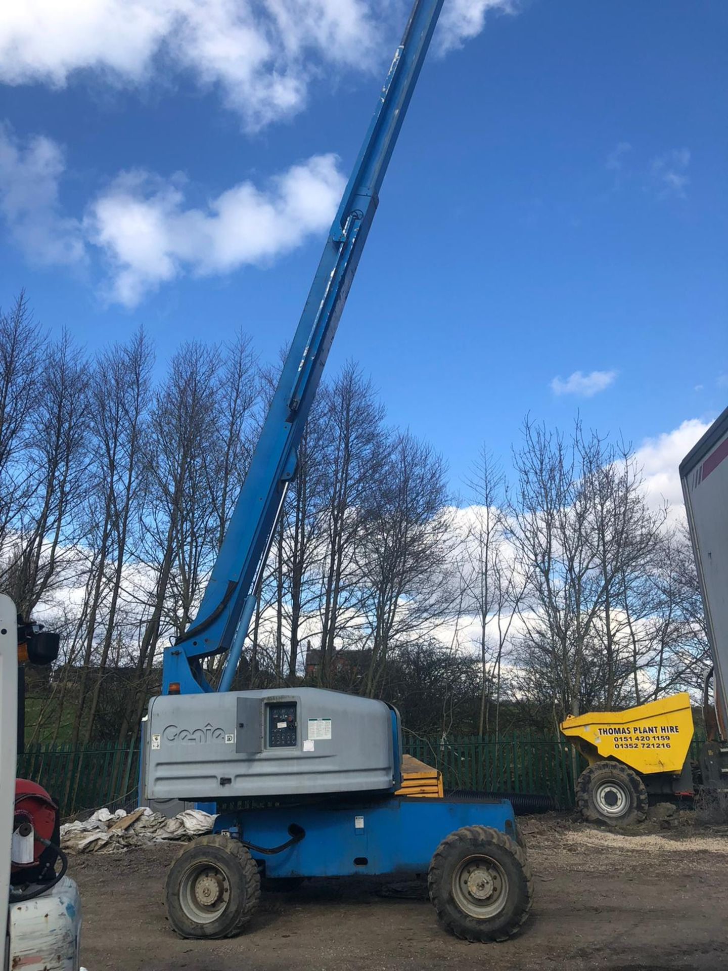 Lot 163 - GENIE S-45 BOOM LIFT, 4 WHEEL DRIVE, RUNS, WORKS AND LIFTS *PLUS VAT*