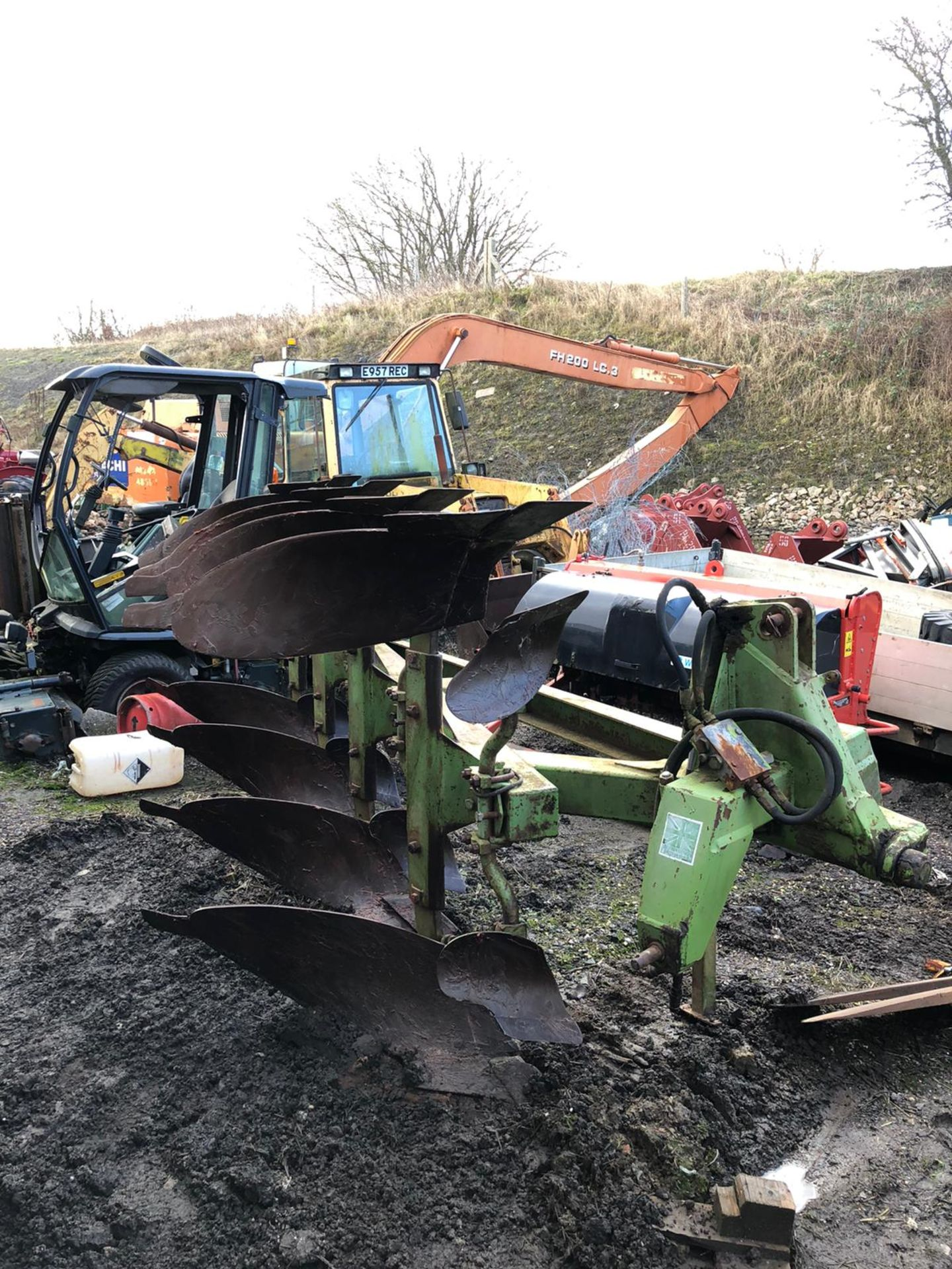 Lot 173 - DOWDESWELL DP8B 4 FURROW PLOUGH IN GOOD CONDITION, NO WELD *PLUS VAT*