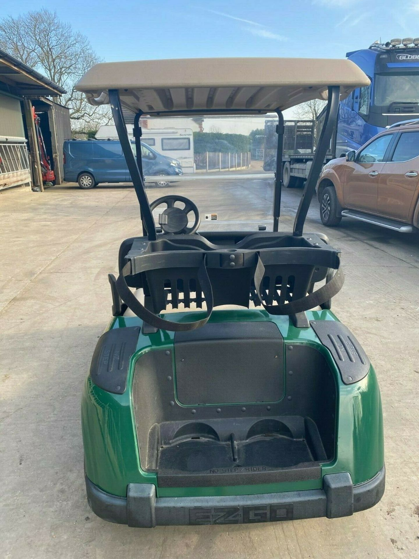 Lot 153 - EZGO GOLF BUGGY, ELECTRIC, YEAR 2014, COMPLETE WITH ONBOARD CHARGER, IMMACULATE CONDITION *PLUS VAT*