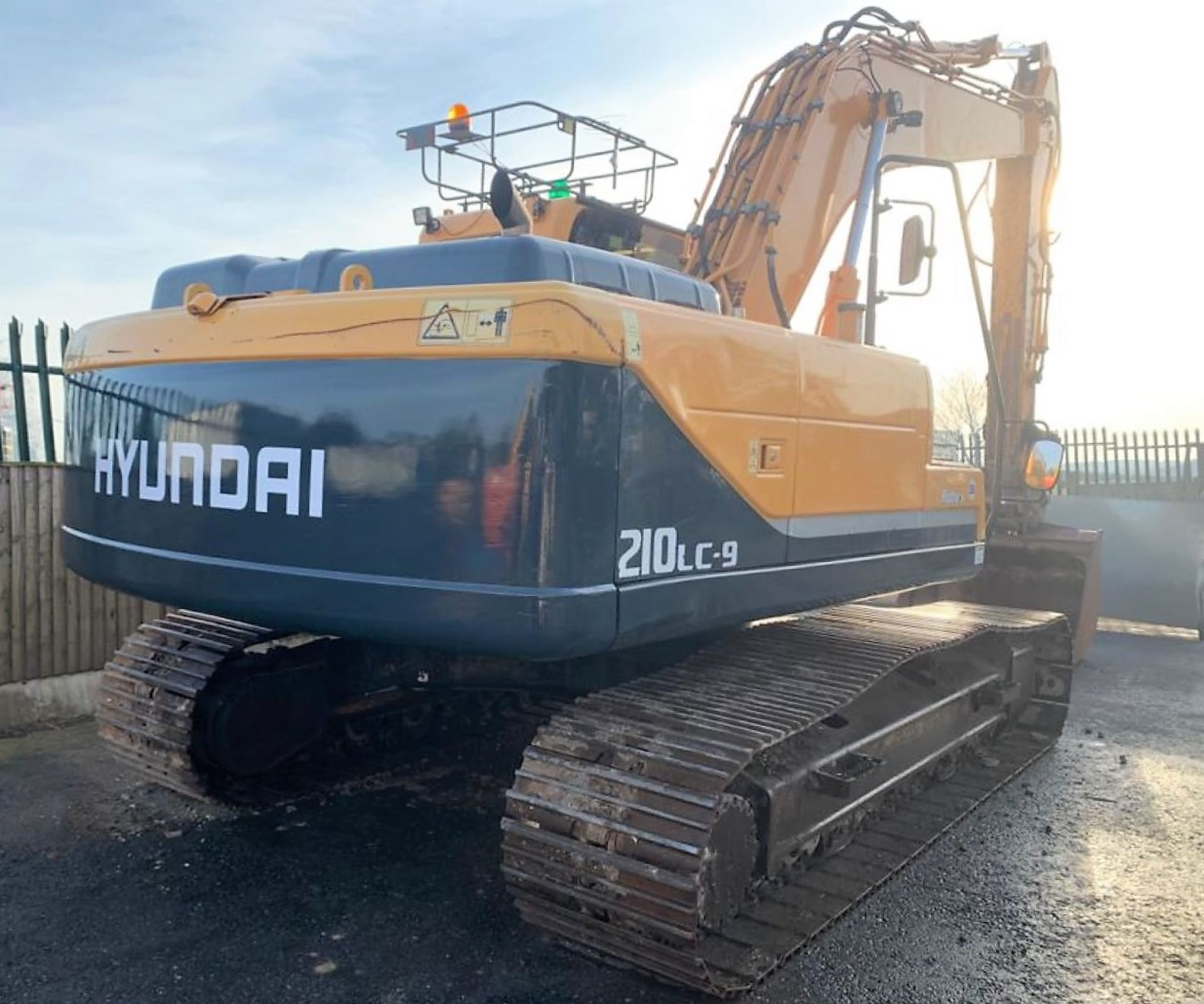 Lot 55 - HYUNDAI ROBEX 210 LC-9 STEEL TRACKED CRAWLER DIGGER / EXCAVATOR, YEAR 2013, AIR CON *PLUS VAT*