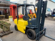 GAS POWERED YELLOW / BLACK BOSS FORKLIFT, RUNS, WORKS AND LIFTS *PLUS VAT*