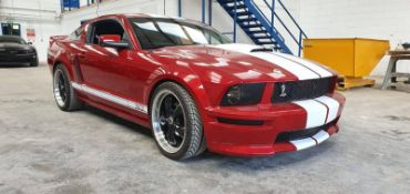2008 FORD SHELBY MUSTANG GT500 RED / WHITE 2 DOOR LHD, SHOWING 42,000 MILES *NO VAT*