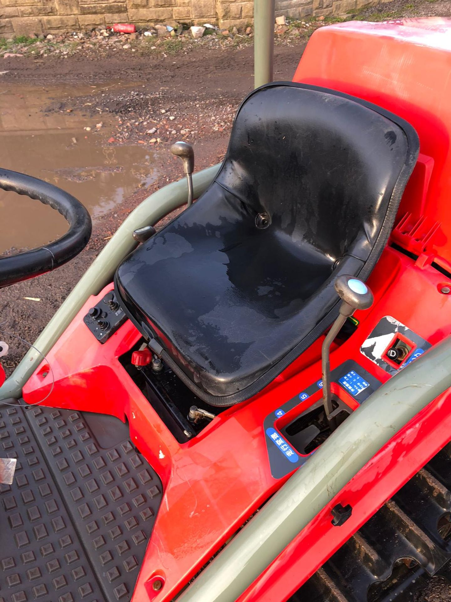 Lot 67 - YANMAR AC10D COMPACT TRACTOR ON TRACKS, C/W ATTACHMENT ON THE BACK, RUNS AND WORKS *PLUS VAT*