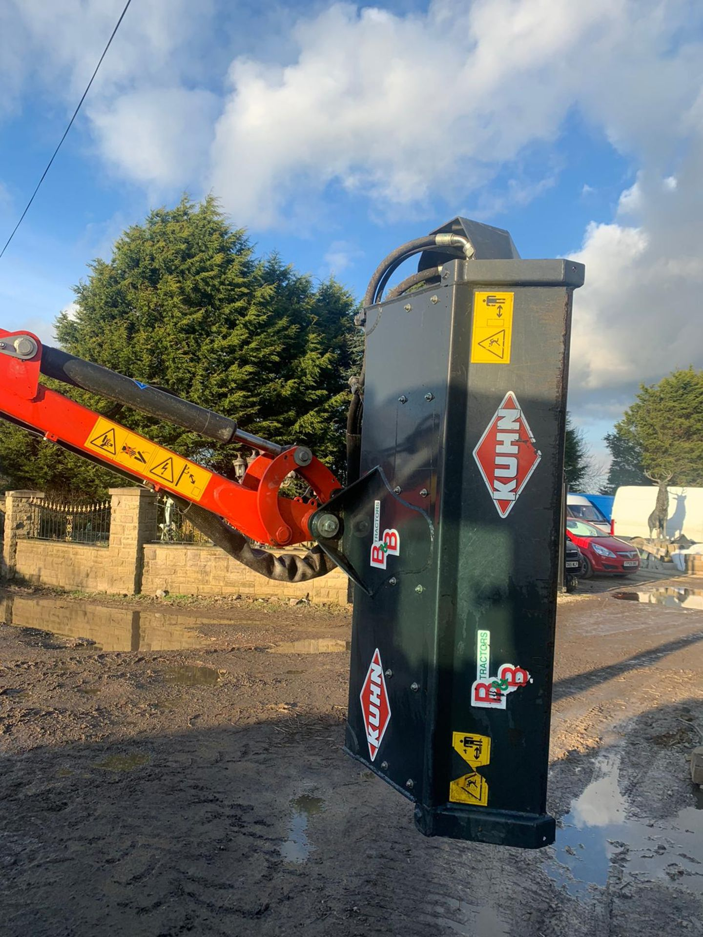 Lot 71 - KUHN AGRI-LONGER 4834 ML HEDGECUTTER, YEAR 2017, UNLADEN WEIGHT 875 KG, WORKS & CUTS *PLUS VAT*
