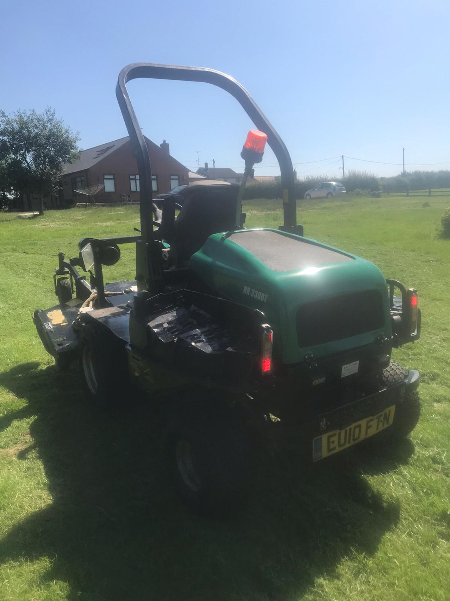 Lot 23 - 2010/10 REG RANSOMES HR 3300T OUTFRONT MOWER, RUNS, DRIVES AND CUTS *PLUS VAT*