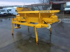 ECON GRITTER COMPLETE WITH DIESEL DONKY ENGINE TRANSIT SIZE, YEAR 2011, DEMOUNT BODY, RUNS & WORKS
