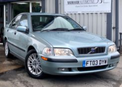 2003/03 REG VOLVO S40 S 1.6 PETROL 4 DOOR SALOON GREEN, SHOWING 3 FORMER KEEPERS *NO VAT*