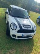 2008/08 REG MINI COOPER JOHN COOPER WORKS 1.6 PETROL WHITE 3 DOOR HATCHBACK *NO VAT*