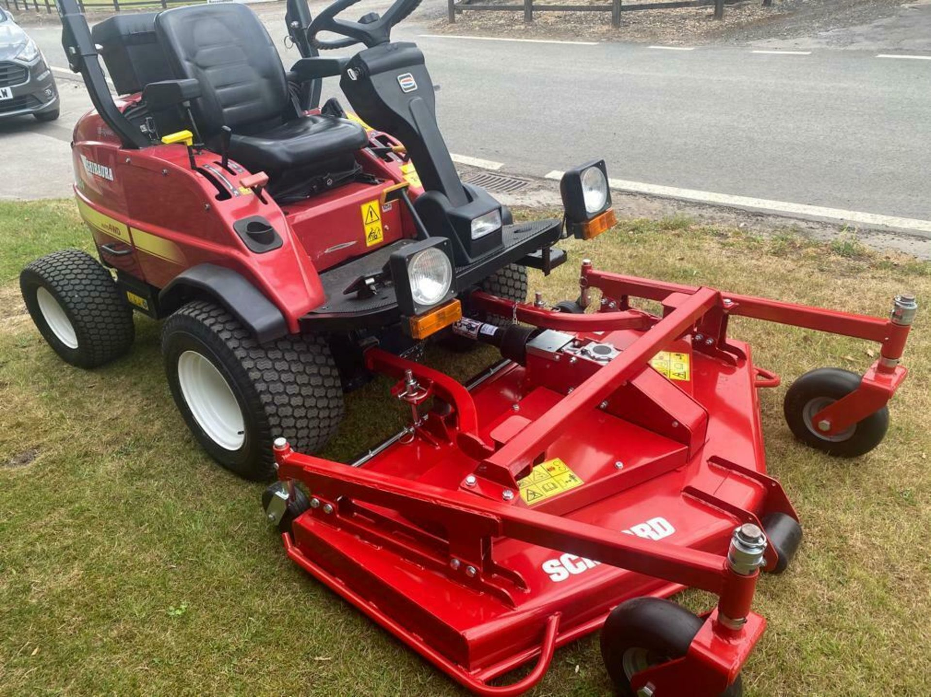 """Lot 139 - SHIBAURA CM374 UPFRONT ROTARY MOWER, 37HP, BRAND NEW 60"""" CUT DECK NEVER USED, DIESEL, YEAR 2014"""