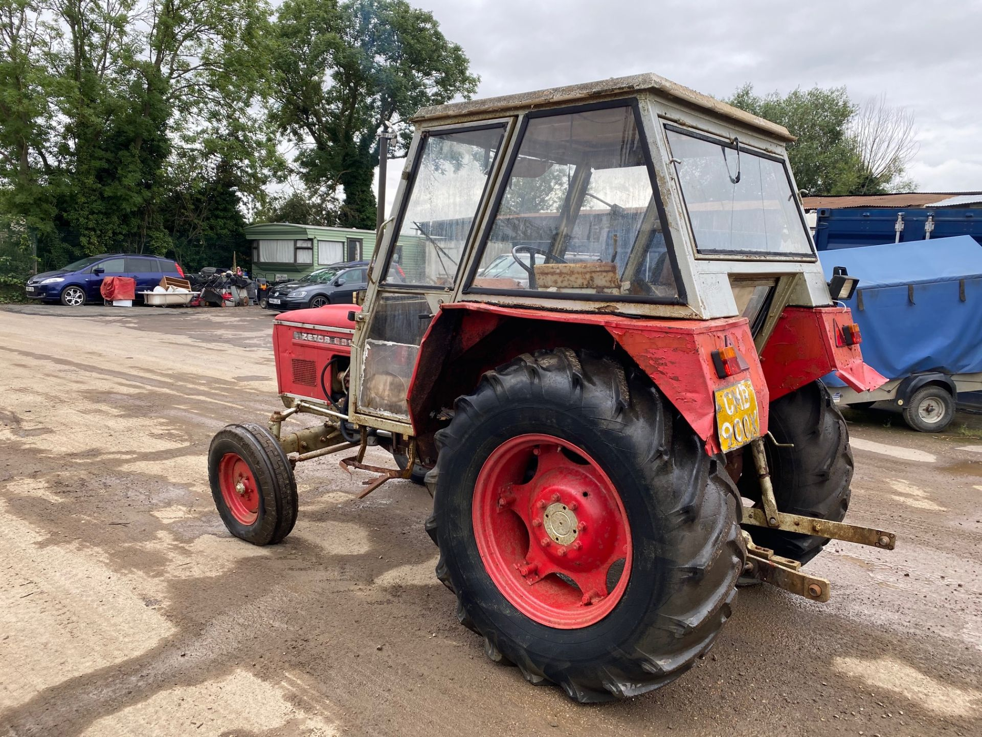 Lot 67 - ZETOR 6911 2WD TRACTOR, FULL CAB WITH HEATER, POWER STEERING, GOOD WORKING ORDER *PLUS VAT*