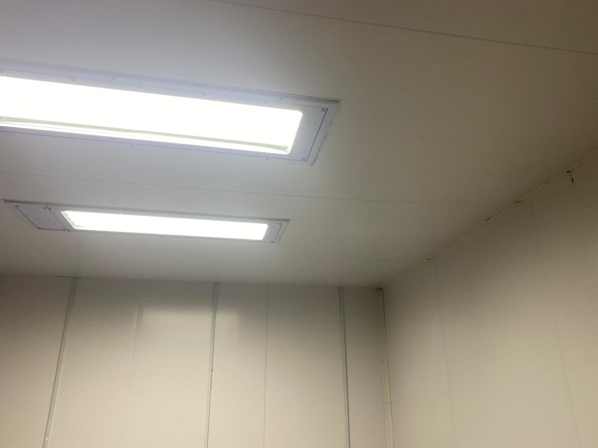 Lot 5 - THIS IS A BRAND NEW SPRAY BOOTH WITH A DRYING ROOM USING INFARED HEATING *PLUS VAT*