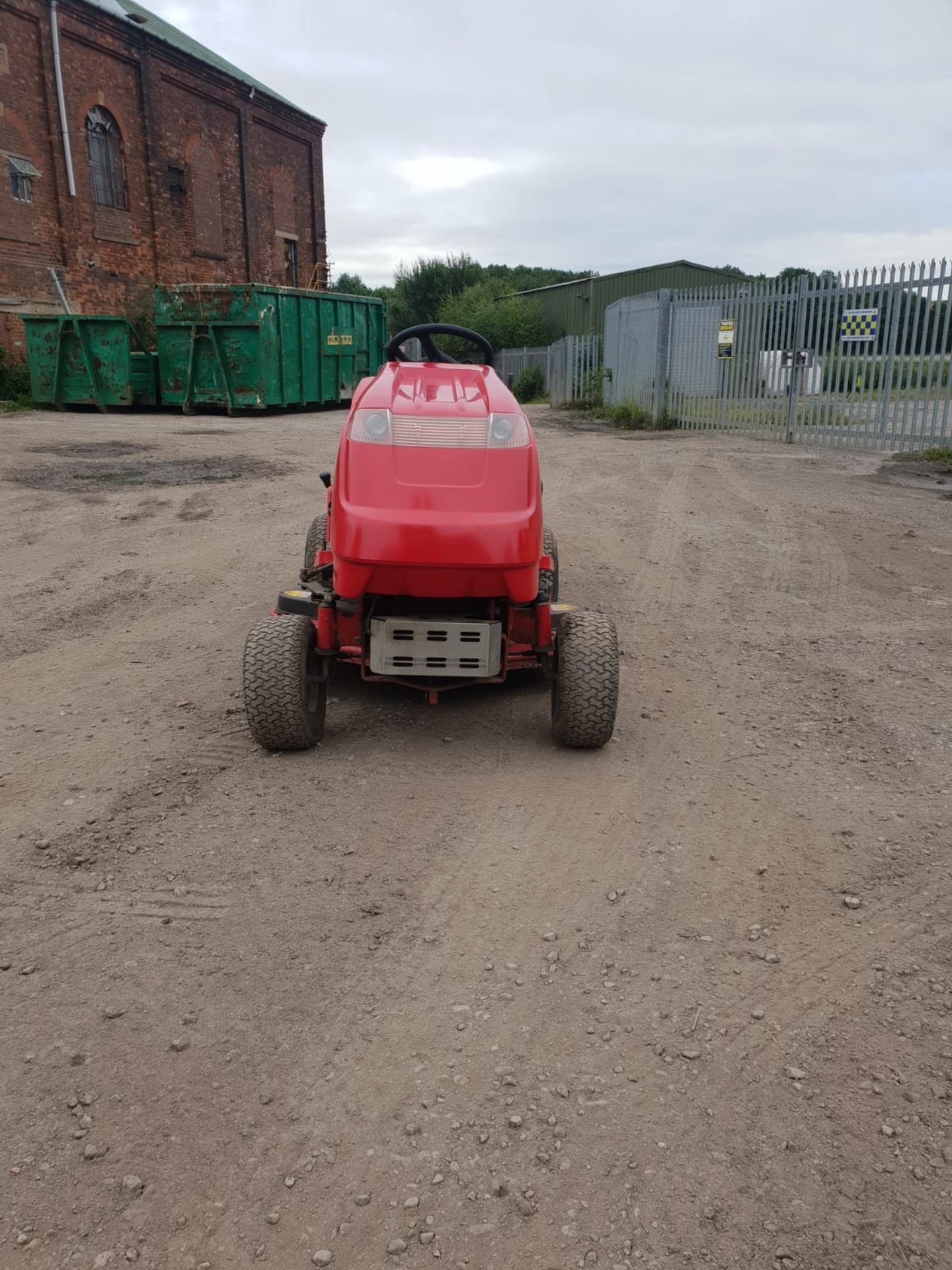 Lot 37 - COUNTAX 14HP V TWIN RIDE ON LAWN MOWER, RUNS, DRIVES AND SWEEPS, ALL WORKS *NO VAT*