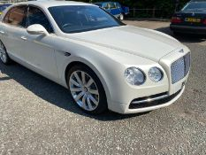 2014 BENTLEY FLYING SPUR 8500 MILES FULL SERVICE HISTORY *NO VAT*