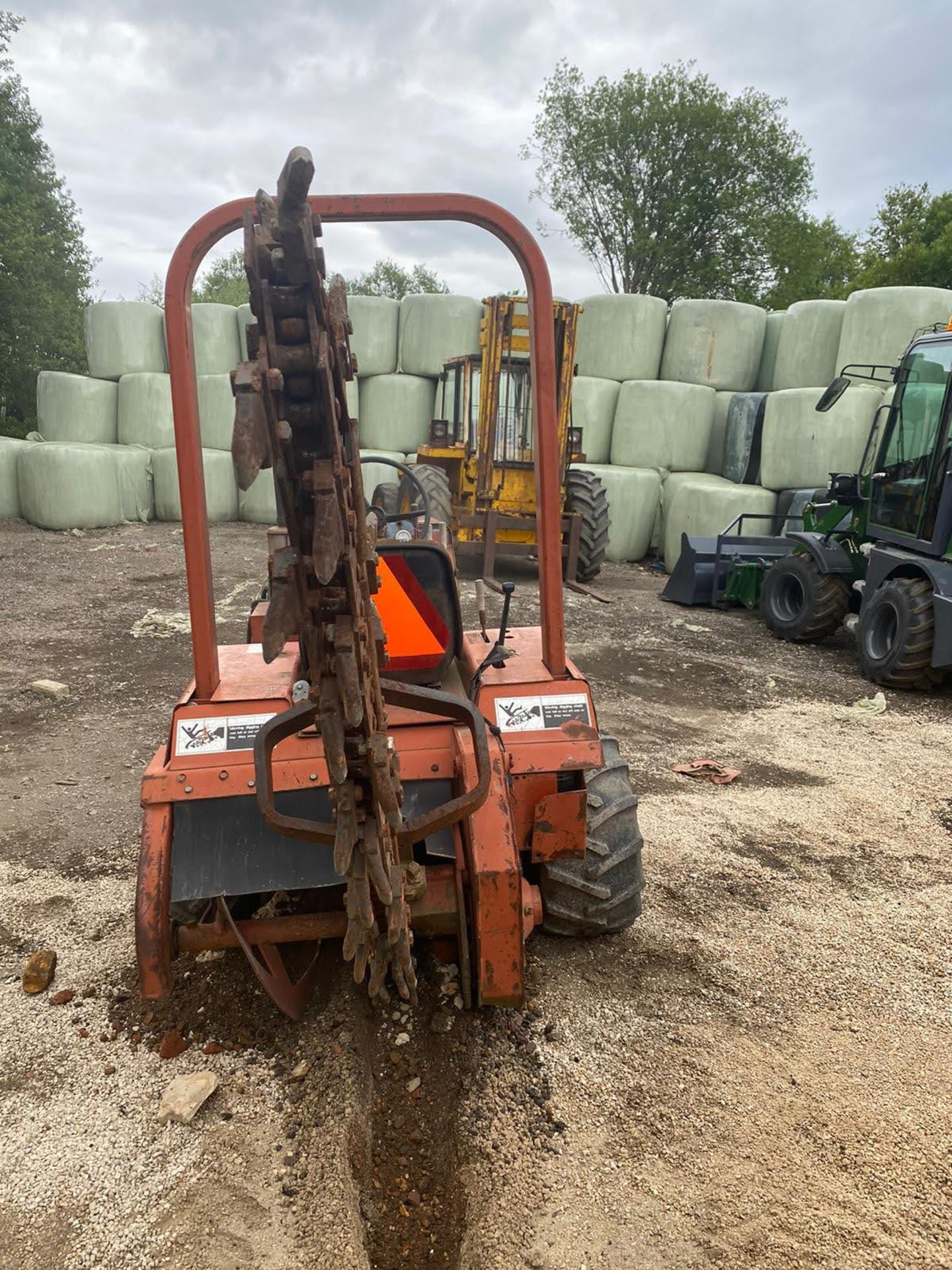 Lot 148 - DITCH WITCH 2310 TRENCHER, RUNS AND WORKS, SHOWING 768 HOURS *PLUS VAT*