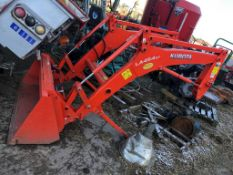 LIKE NEW KUBOTA LA454ST ORANGE FRONT LOADER ATTACHMENT *PLUS VAT*