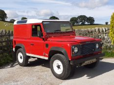 2002/51 REG LAND ROVER DEFENDER 90 PICK-UP TD5 RED 2.5 DIESEL 130 BHP, SHOWING 2 FORMER KEEPERS
