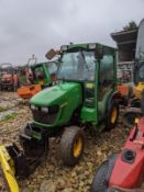 2014 JOHN DEERE 2025R COMPACT TRACTOR, FRONT HYDRAULICS, TILT BLADE, FULL CAB, C/W REAR GRITTER