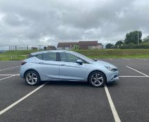 2018/18 REG VAUXHALL ASTRA SRI TURBO 1.4 PETROL SILVER 5 DOOR HATCHBACK, SHOWING 2 FORMER KEEPERS