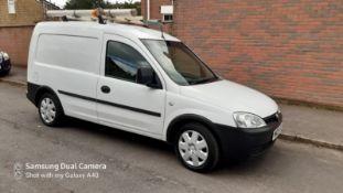 2009/09 REG VAUXHALL COMBO 2000 CDTI 1.25 DIESEL CAR DERIVED VAN, SHOWING 0 FORMER KEEPERS *NO VAT*