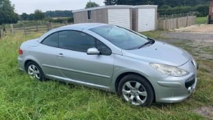 2005/55 REG PEUGEOT 307 CC S 2.0 PETROL CABRIOLET SILVER, SHOWING 4 FORMER KEEPERS *NO VAT*