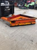 YARD SCRAPPING BLADE, SUITABLE FOR PALLET FORKS *NO VAT*