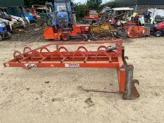 BALE HANDLER GRAB FITS TRACTOR EURO BRACKETS WORKS WELL, IN GOOD CONDITION *NO VAT*