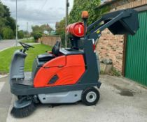 RIDE ON SWEEPER / COLLECTOR HAKO JONAS 1200V, GAS, ONLY 912 HOURS *PLUS VAT*