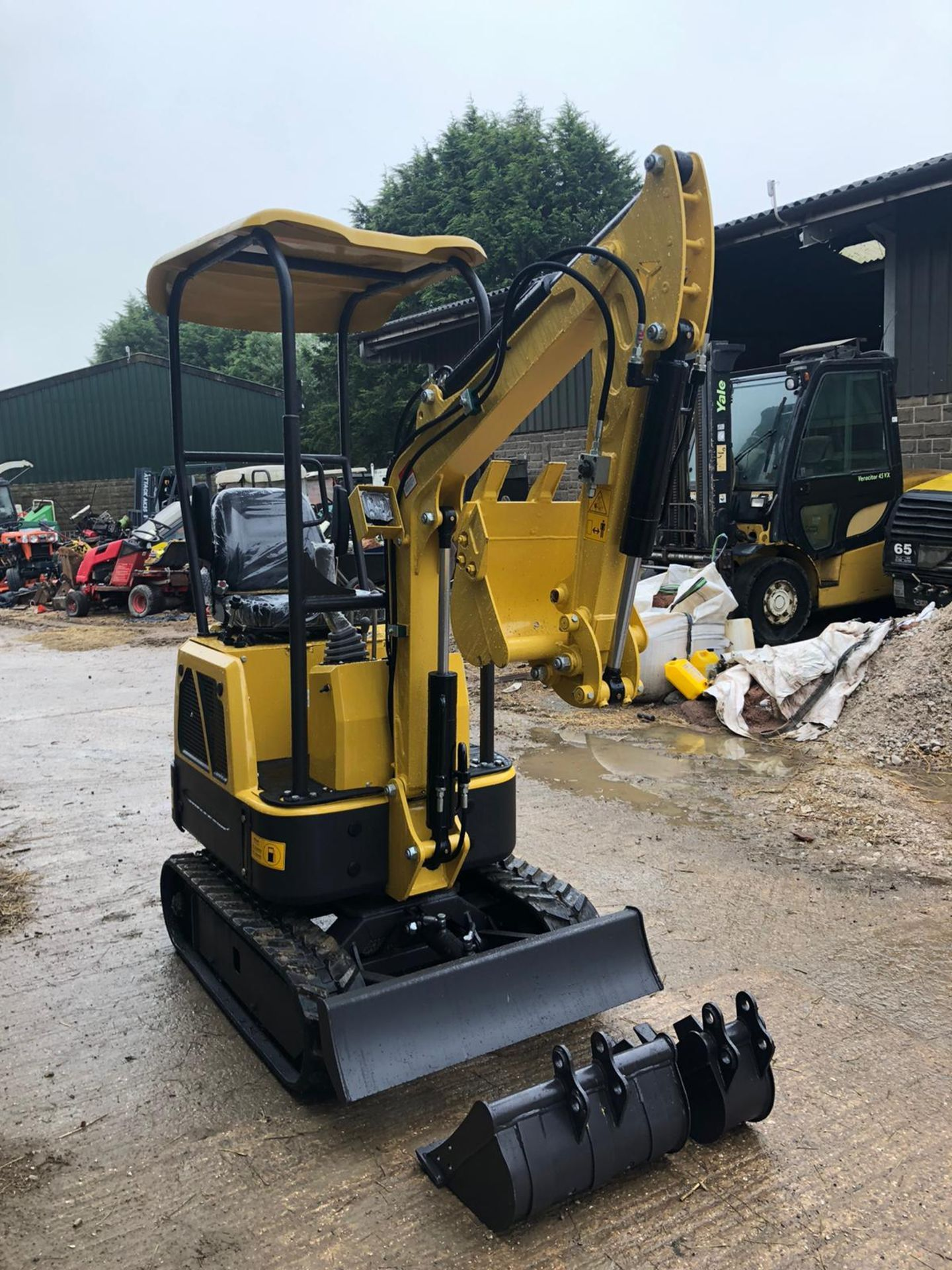 2020 RHINOCEROS XN08 EXCAVATOR RUBBER TRACKS, CANOPY, 3 X BUCKETS, RUNS, DRIVES AND DIGS *PLUS VAT* - Image 3 of 5