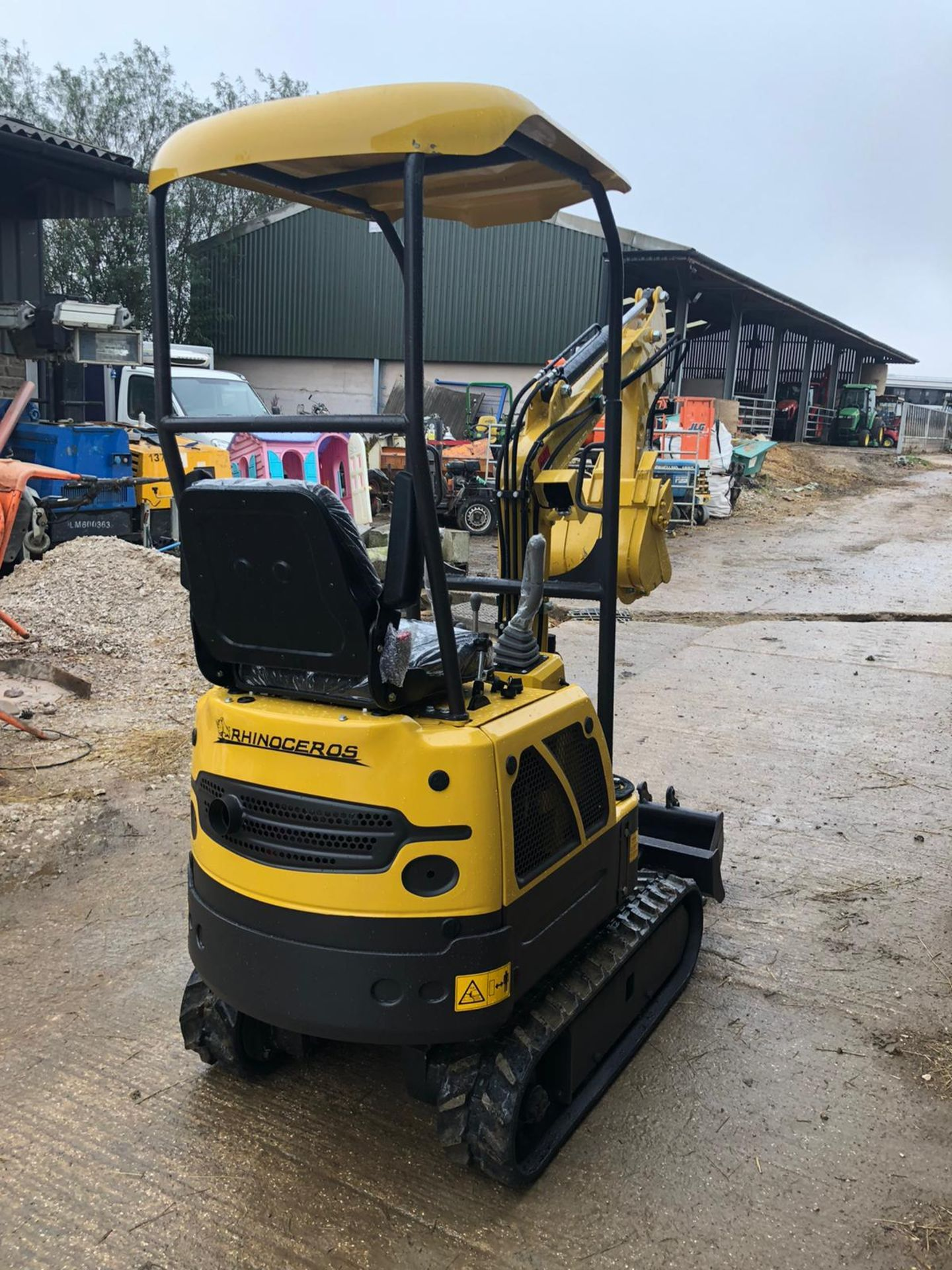 2020 RHINOCEROS XN08 EXCAVATOR RUBBER TRACKS, CANOPY, 3 X BUCKETS, RUNS, DRIVES AND DIGS *PLUS VAT* - Image 2 of 5