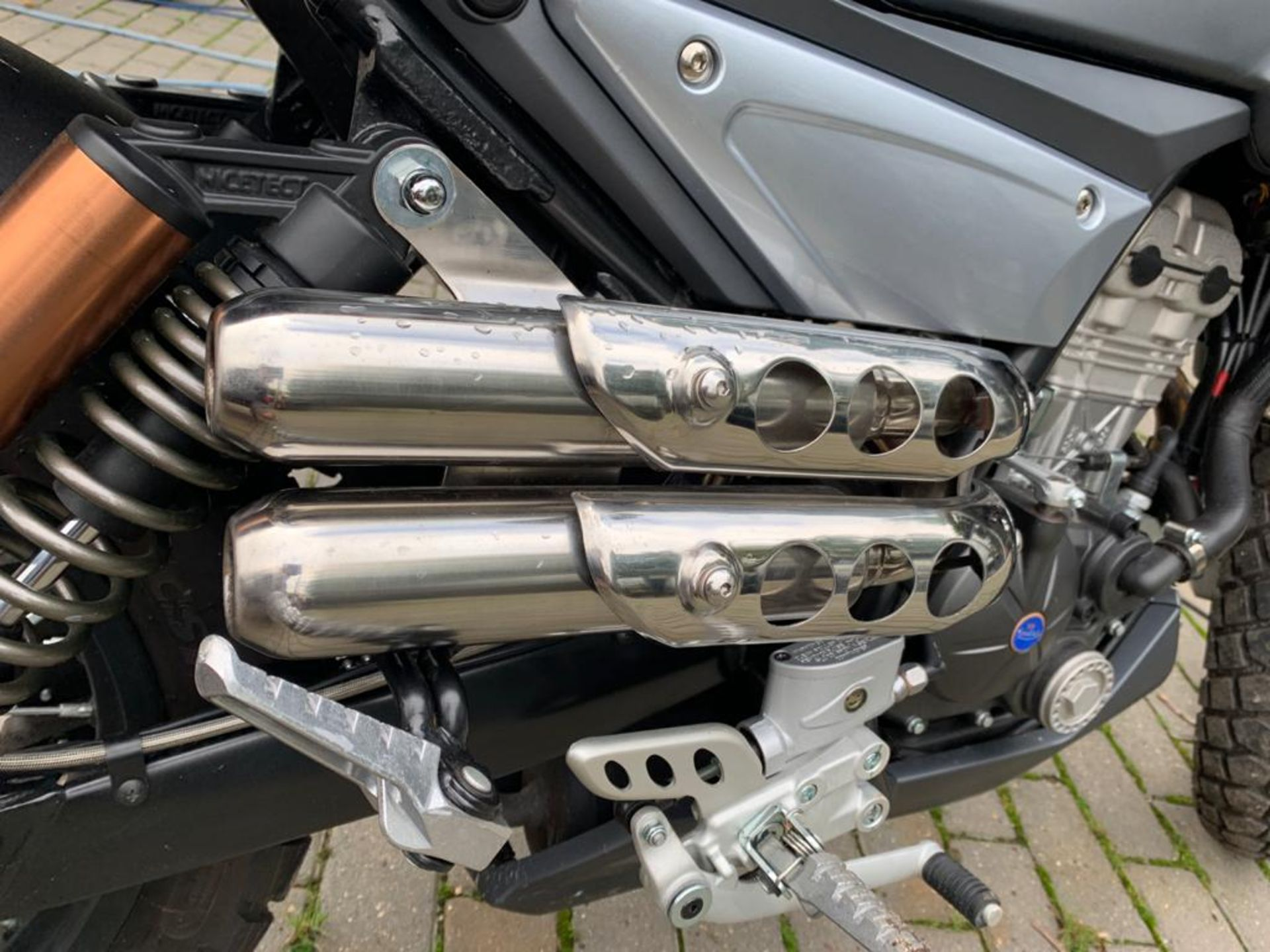 2018/18 REG MONDIAL HPS 125 S E4 SCRAMBLER MOTORBIKE / MOTORCYCLE, ROAD REGISTERED WITH V5 PRESENT - Image 7 of 11