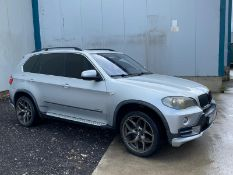 2009/58 REG BMW X5 4.8L PETROL AUTOMATIC SILVER, SHOWING 1 FORMER KEEPER - LEFT HAND DRIVE *NO VAT*