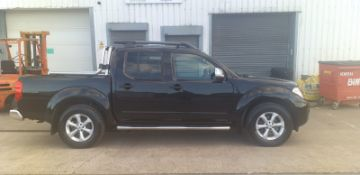 2011/11 REG NISSAN NAVARA TEKNA D/C DCI 188 2.5 DIESEL AUTOMATIC, SHOWING 5 FORMER KEEPERS