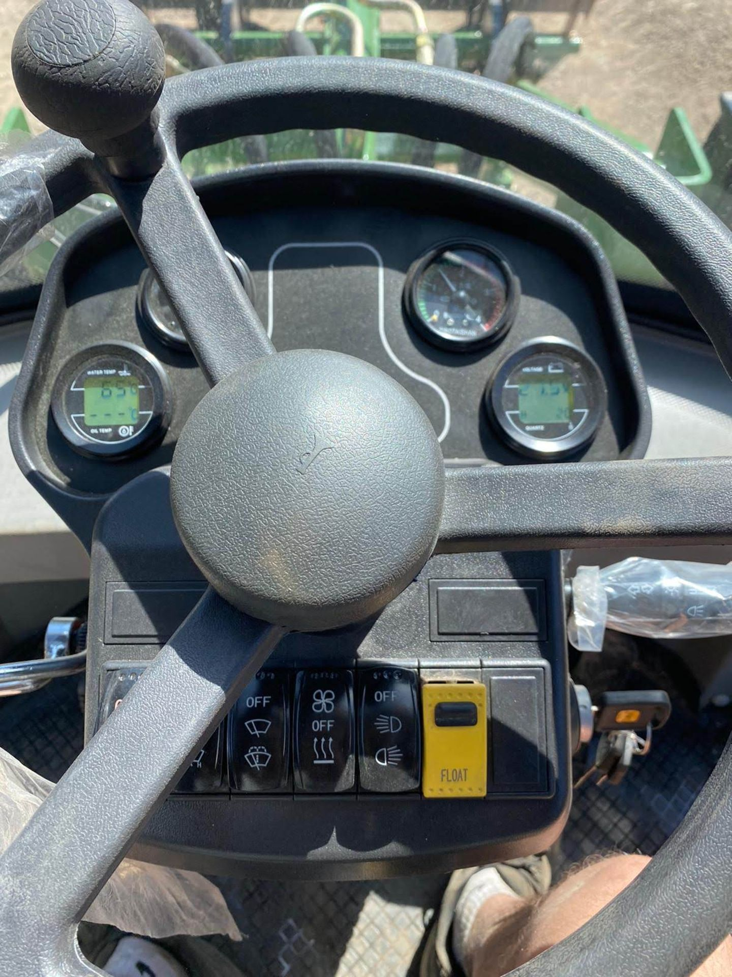 BRAND NEW / UNUSED 2020 LOADING SHOVEL, MODEL ZL08F, 4 WHEEL DRIVE, C/W BUCKETS & FORKS *PLUS VAT* - Image 8 of 9