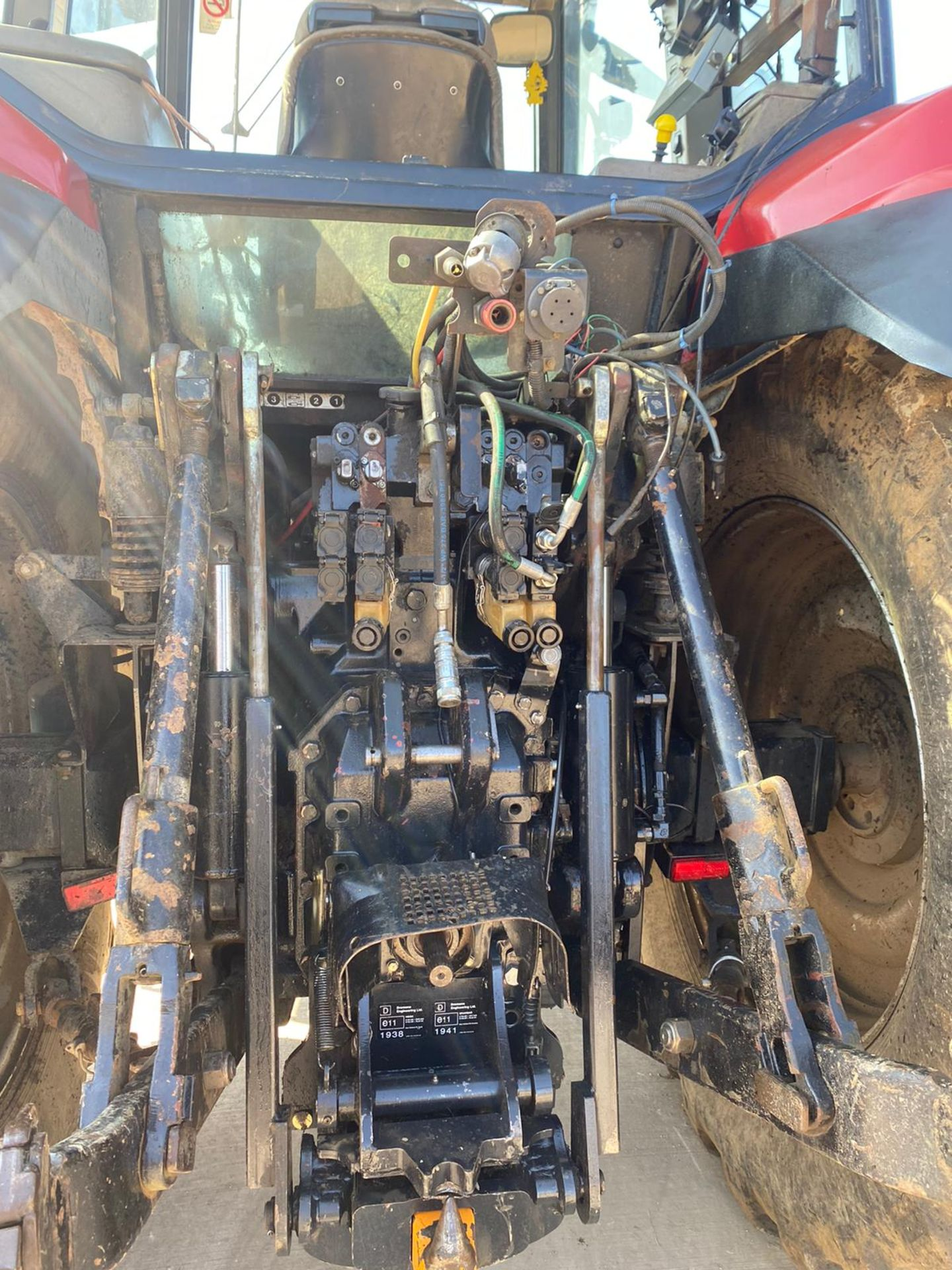CASE MXM190 TRACTOR, VERY GOOD TYRES, TRANSPORT BOX ON THE FRONT, FRONT SUSPENSION *PLUS VAT* - Image 11 of 11