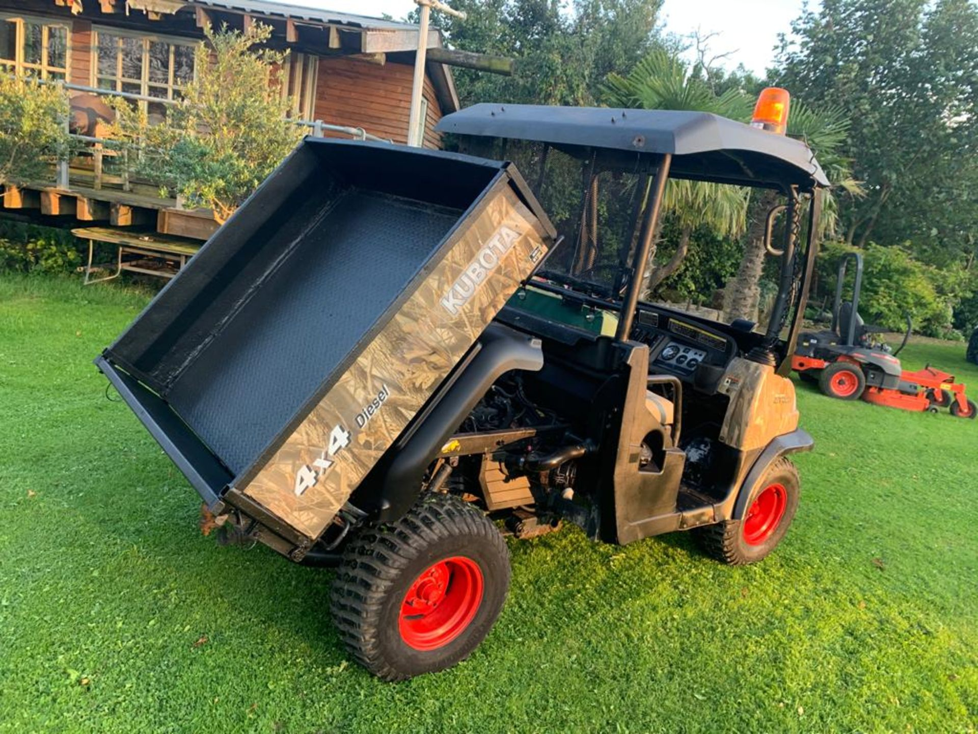 KUBOTA 4X4 DIESEL HYDRAULIC TIPPER BUGGY, RUNS, WORKS AND TIPS *PLUS VAT* - Image 6 of 22