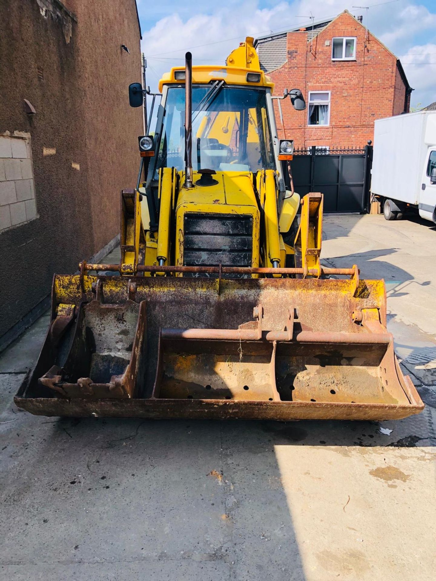 JCB 3CX PROJECT 8 DIGGER, 4X4, EXTRA DIG, C/W 3 BUCKETS, HOURS FROM NEW 7434 ONLY *NO VAT* - Image 2 of 16