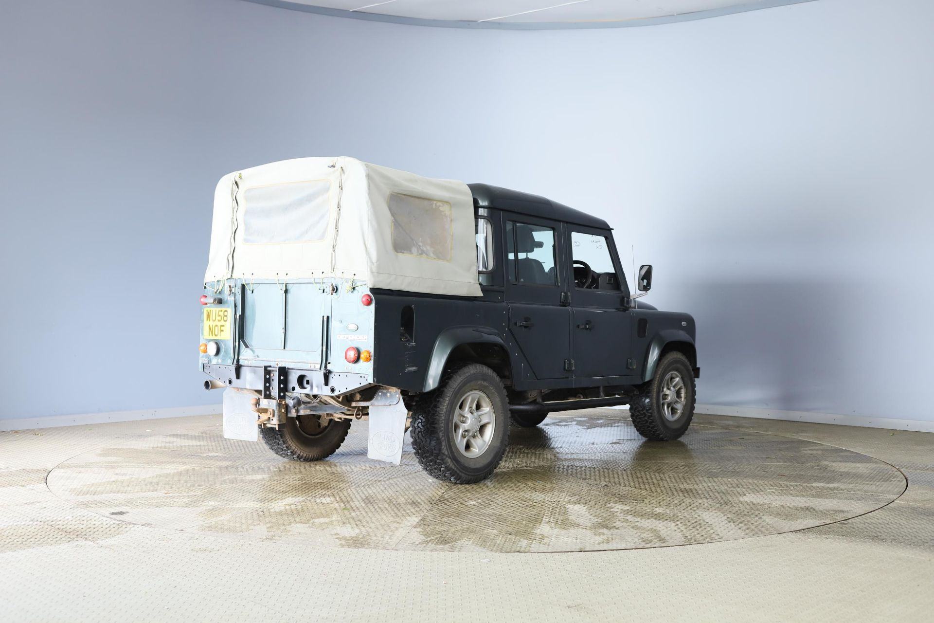 2008/58 REG LAND ROVER DEFENDER 110 XS DC LWB 2.4 DIESEL GREEN LIGHT 4X4, SHOWING 2 FORMER KEEPERS - Image 6 of 12
