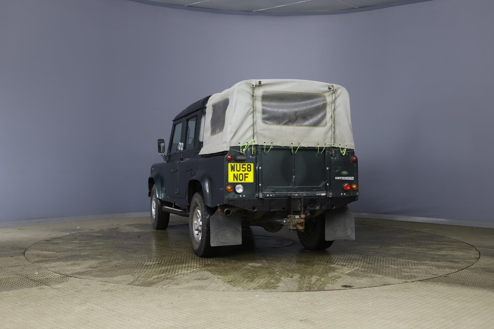 2008/58 REG LAND ROVER DEFENDER 110 XS DC LWB 2.4 DIESEL GREEN LIGHT 4X4, SHOWING 2 FORMER KEEPERS - Image 4 of 12