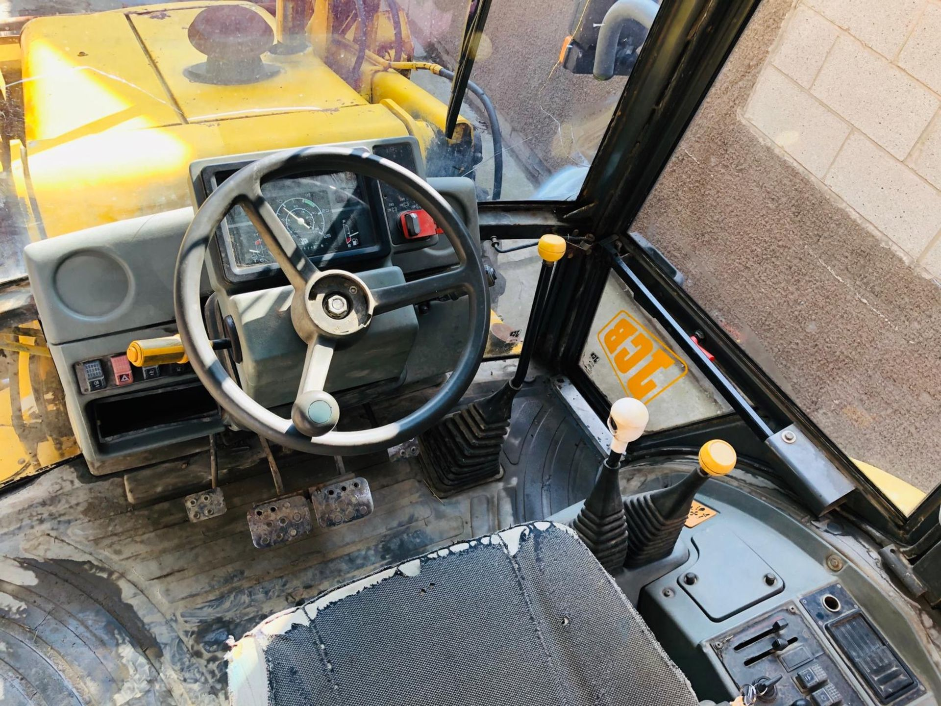 JCB 3CX PROJECT 8 DIGGER, 4X4, EXTRA DIG, C/W 3 BUCKETS, HOURS FROM NEW 7434 ONLY *NO VAT* - Image 6 of 16