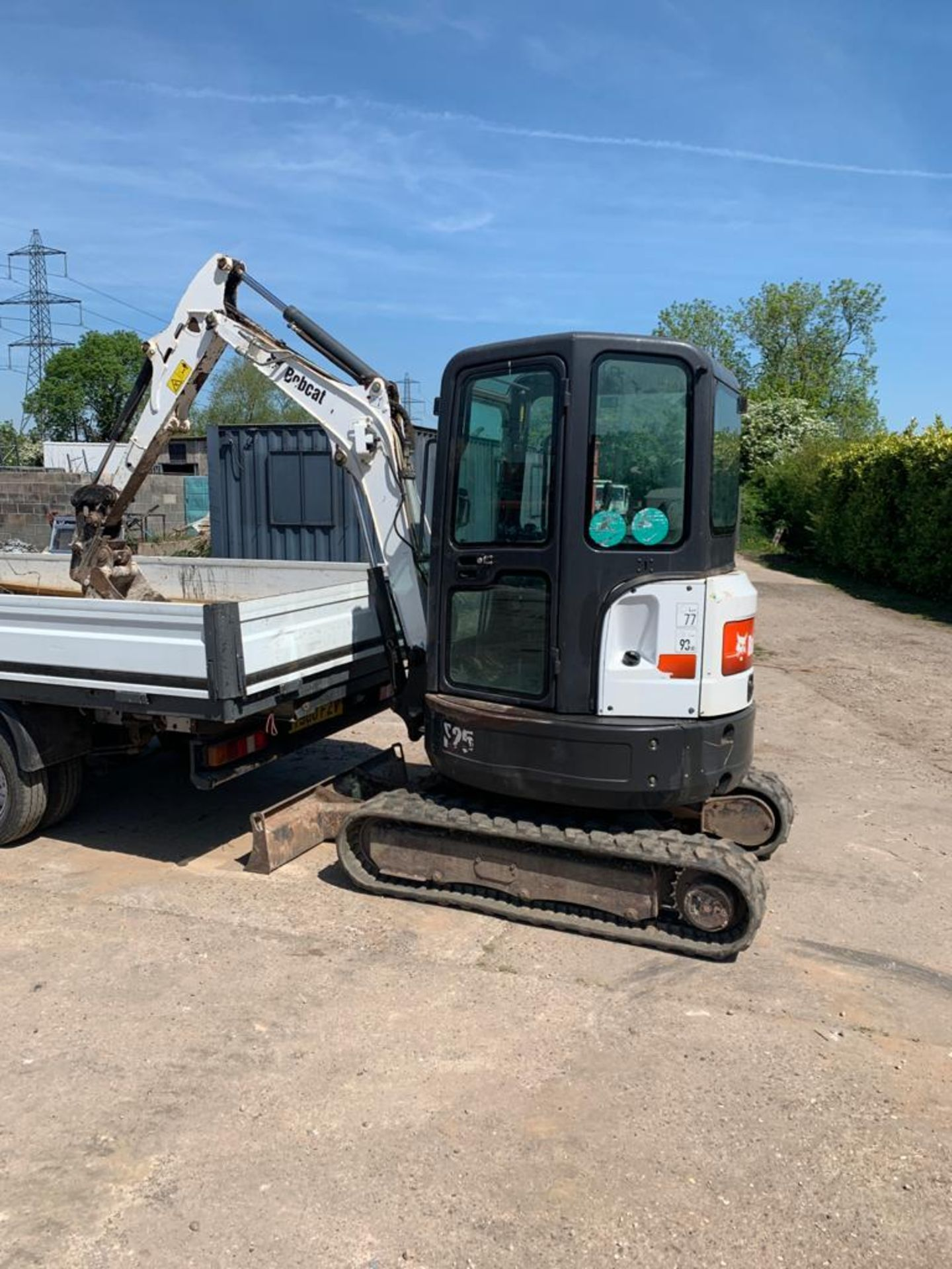 2014 BOBCAT E25 RUBBER TRACKED COMPACT EXCAVATOR / DIGGER, 15.3 KW, MASS 2516 KG *PLUS VAT* - Image 3 of 19