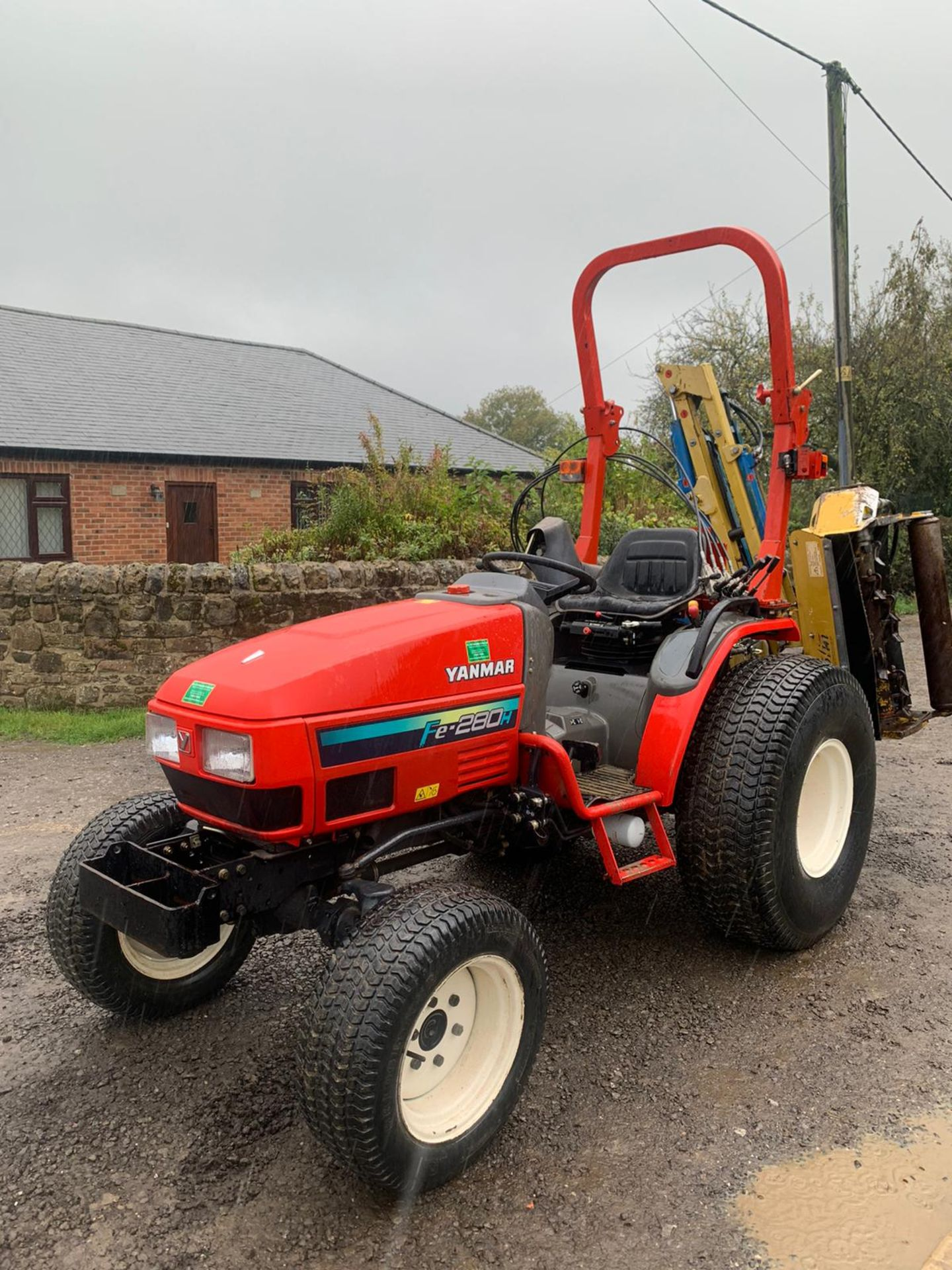 Lot 31 - YANMAR FE280H COMPACT TRACTOR, RUNS, DRIVES AND WORKS, CLEAN MACHINE, 716 HOURS FROM NEW *PLUS VAT*