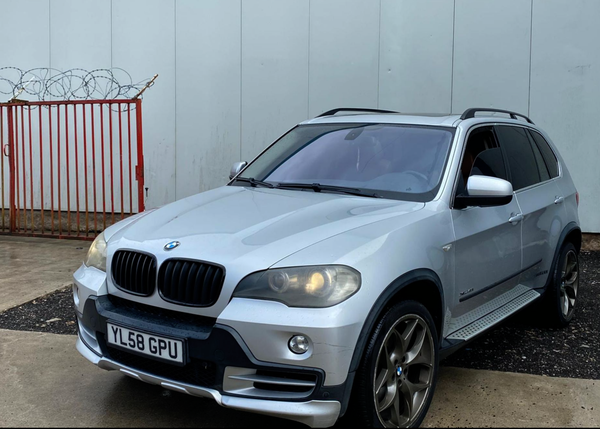 Lot 45 - 2009/58 REG BMW X5 4.8L PETROL AUTOMATIC SILVER, SHOWING 1 FORMER KEEPER - LEFT HAND DRIVE *NO VAT*
